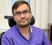 Стоматолог-хирург терапевт Данис Фанисович